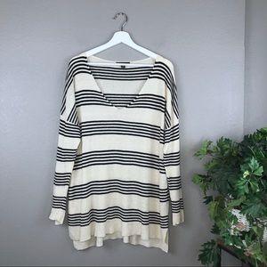 Ann Taylor Linen Blend V Neck Pullover Sweater